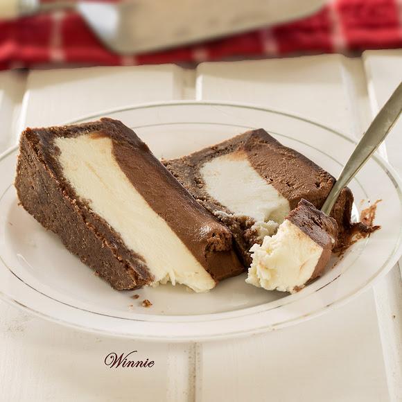 Four layers Chocolate Cheesecake