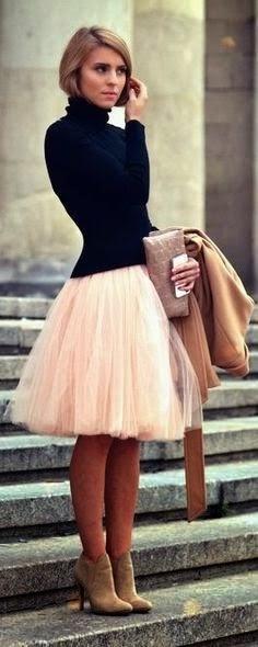 Moda de rua - look do dia - Conjunto em rosa, creme e preto