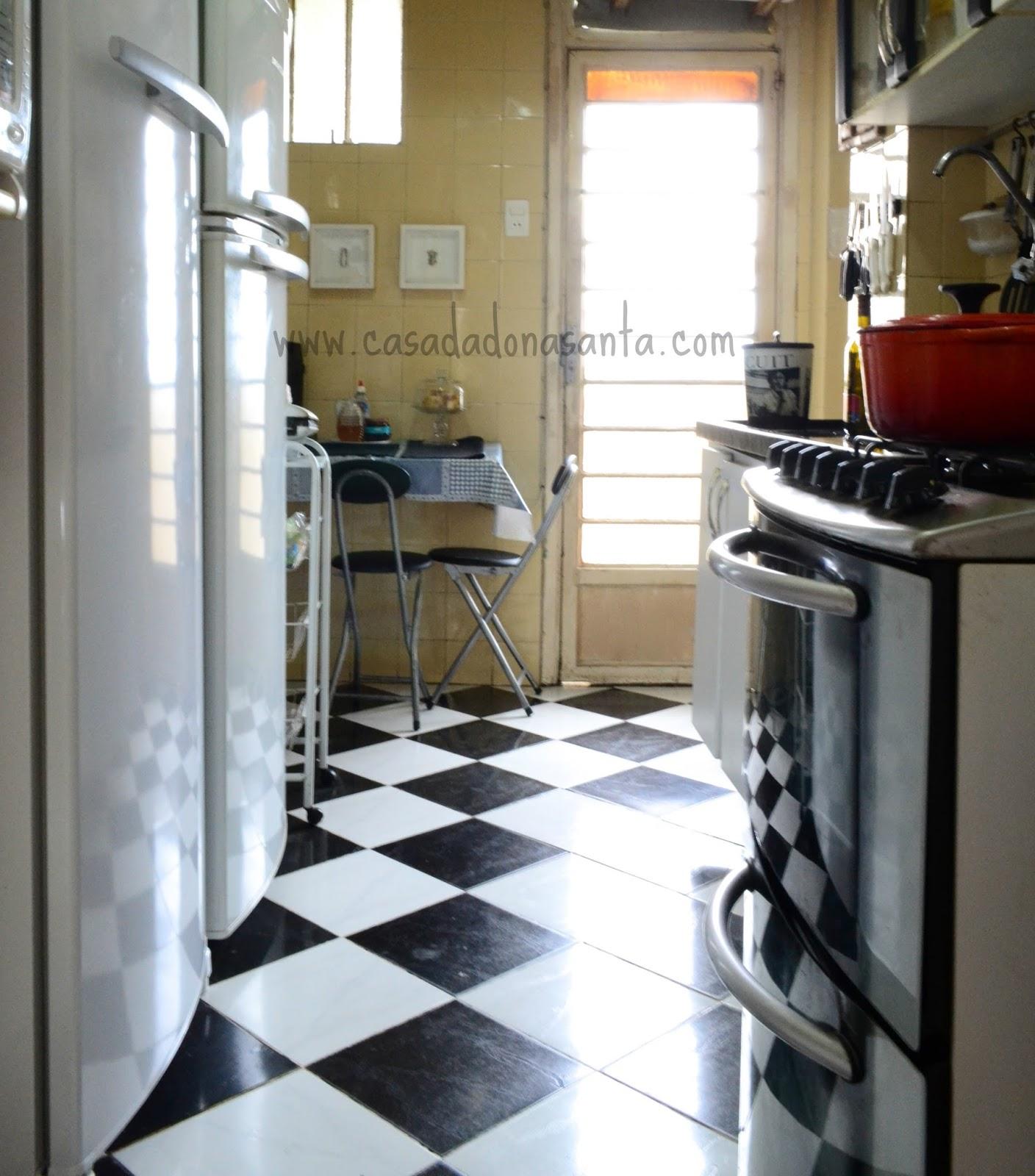Minha cozinhazinha faz o tipo corredor ou melhor corredorzinho  #856B46 1408 1600
