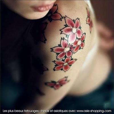tatouage japonais fleur de cerisier