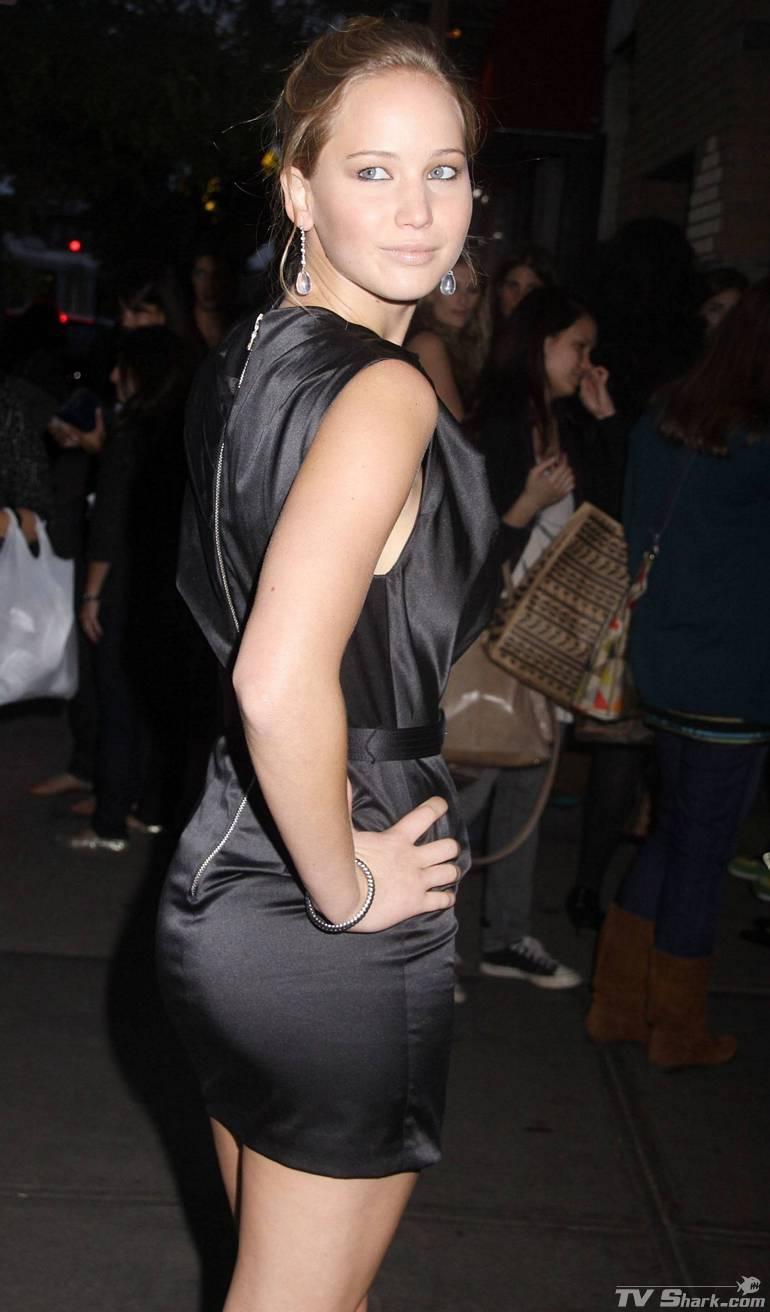 Jennifer_lawrence_legs_black3_lgjpg