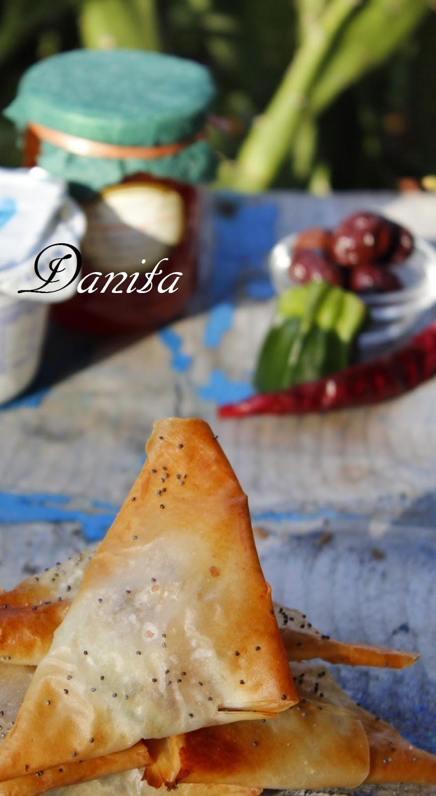 triangoli di pasta phyllo con involtino di zucchinette farciti
