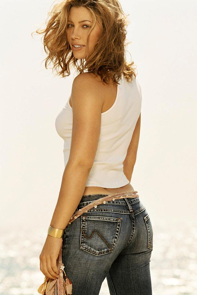 Top Celebrity: Jessica... Jessica Biel