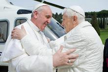 ¡VIVA LA SANTA IGLESIA CATÓLICA APOSTÓLICA ROMANA! ¡VIVA EL PAPA!