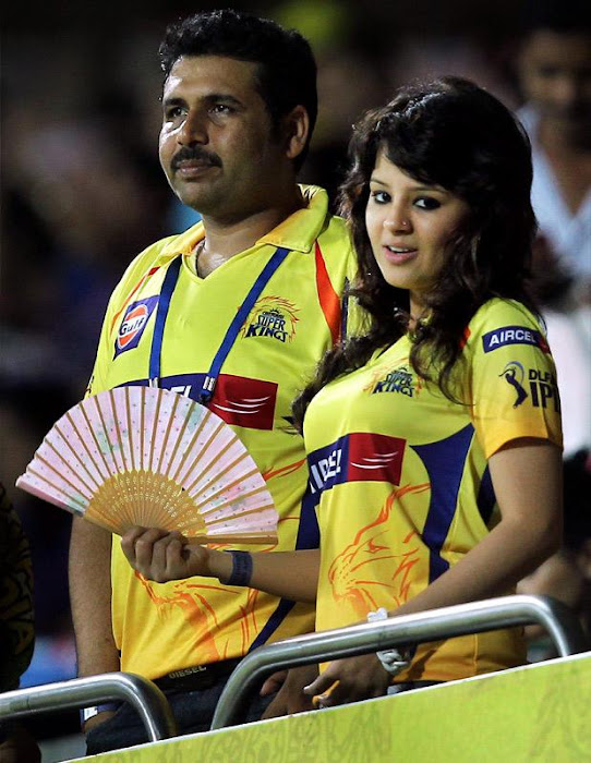 dhoni wife sakshi in ipl