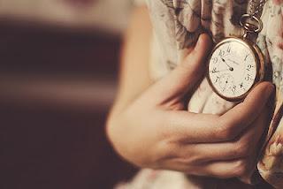 Tudo é questão de tempo... Para que os ventos levem as mágoas e tragam um novo motivo para ser feliz.