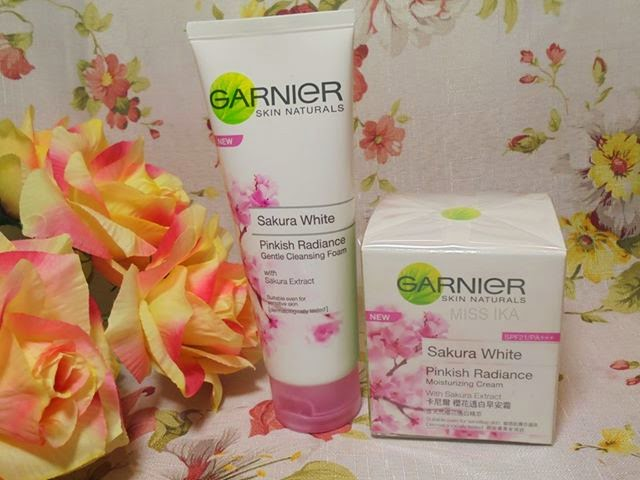 GARNIER SAKURA WHITE PINKISH RADIANCE CLEANSING FOAM
