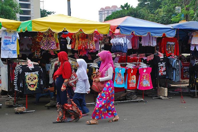 Mujeres con velo en Yakarta
