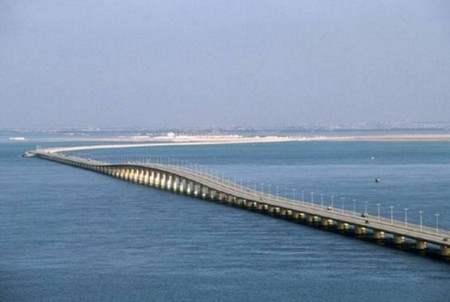 Jembatan terpanjang di daratan eropa yang melintasi sungai sungai di
