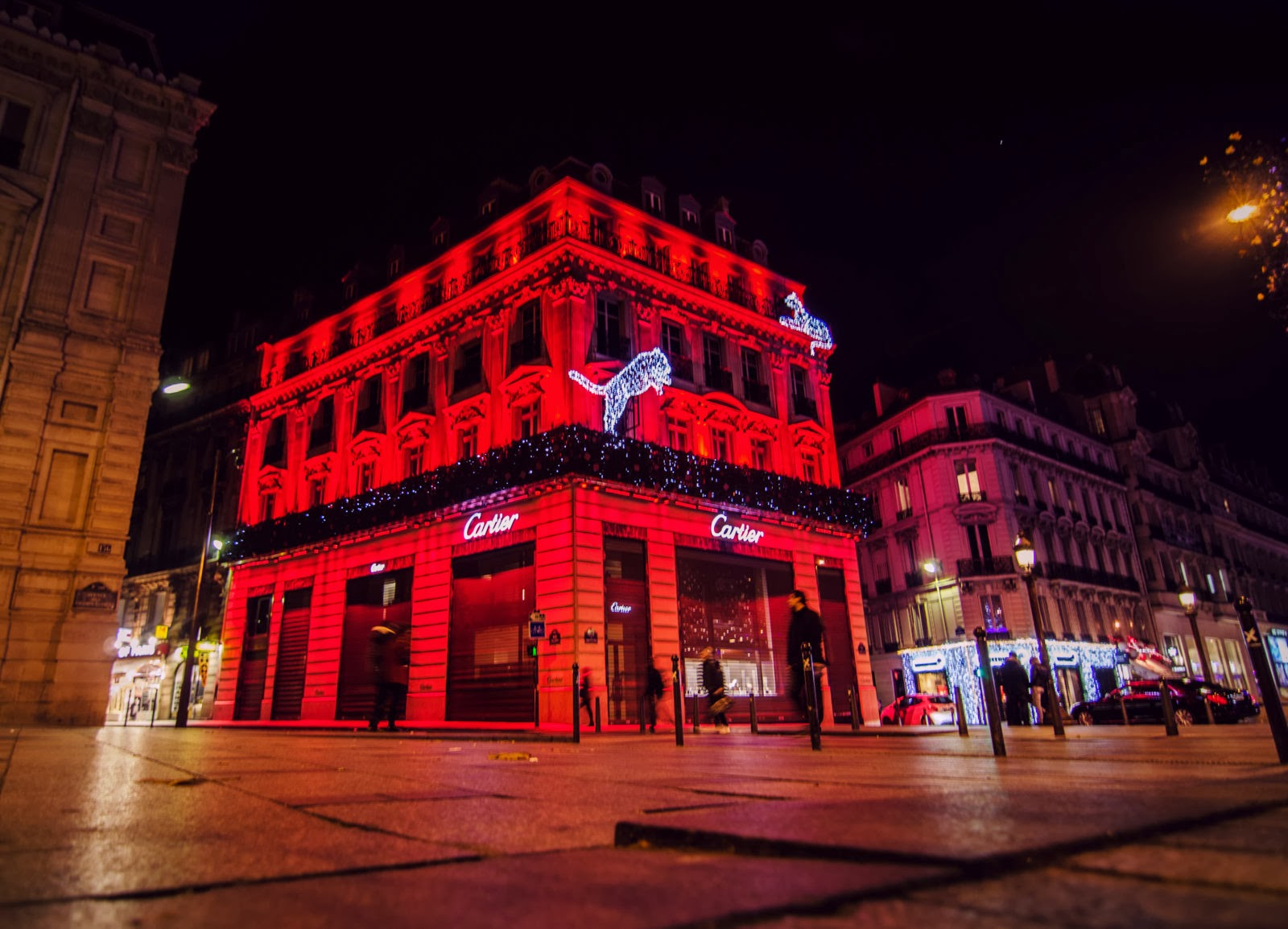 #BA111A ParisDailyPhoto: Cartier Building 5365 decorations de noel champs elysees 1600x1154 px @ aertt.com