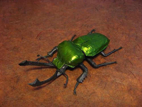 escarabajo origami papel