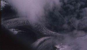 Gempar: Ada Sesuatu Mirip Naga di Tibet (2 Gambar) - Terbakor