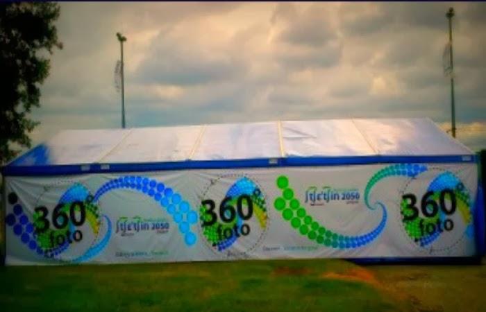 Obraz:namiot przy ul. Admiralskiej gdzie robiono zdjęcia 360 stopni