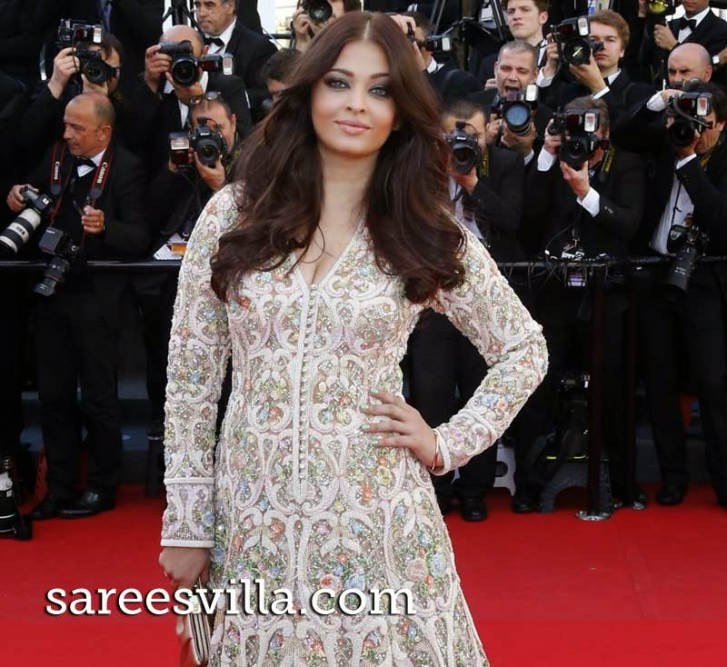Aishwarya Rai Winged Out Wavy Hairstyles