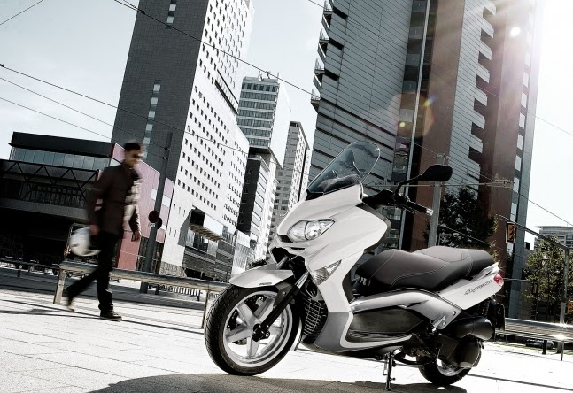 MBK skycruiser 250 ABS New SCooters