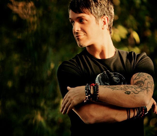 Todos Los Tatuajes De Alejandro Sanz melodías por escrito: crítica cd - la música no se toca (alejandro sanz)