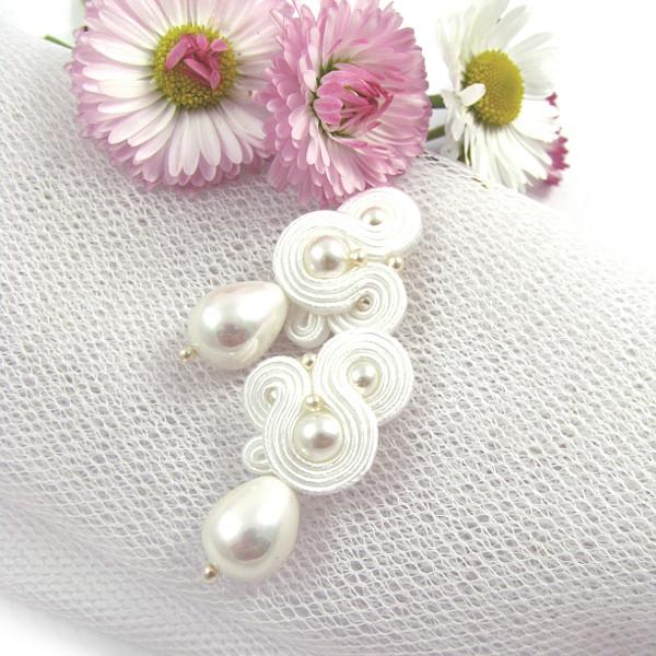 Delikatne kolczyki ślubne sutasz z perłami
