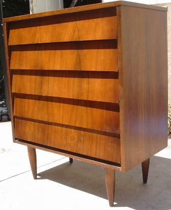 Delicieux Angled / Louvered Drawers Mid Century Modern Dresser Upright Circa 1960s   Ward  Furniture
