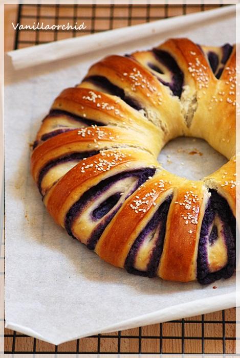 Vanillaorchid: Sweet potato bun