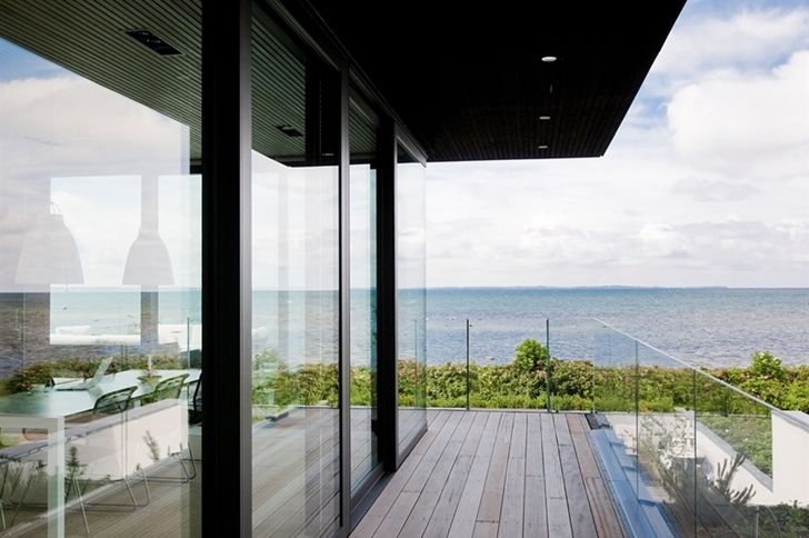 Balcony in Modern beach house in Sweden