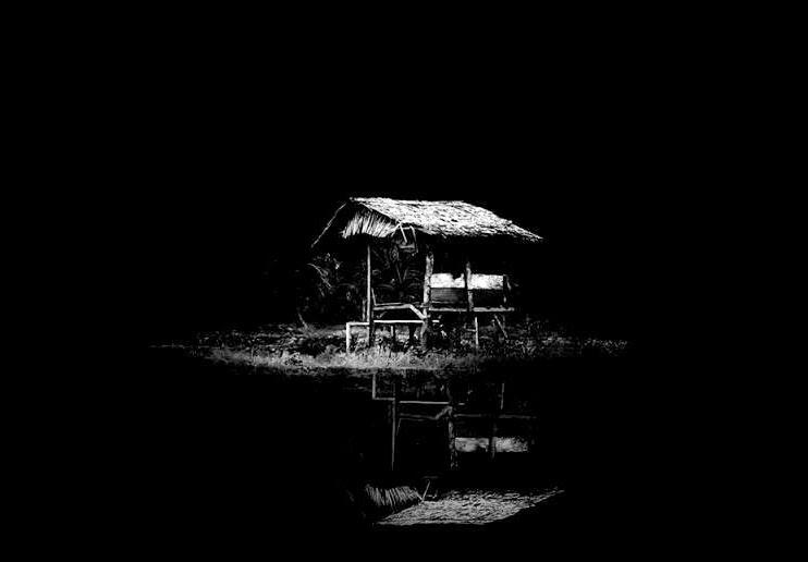Poema «La lluvia», de Wu Chin Tsi. L. REf: José Ángel Cilleruelo, Domicilios. Antología (1983-2004), Col Piedra que habla, Ed. El Toro de Barro, Carlos Morales Ed. Tarancón de Cuenca, 2005