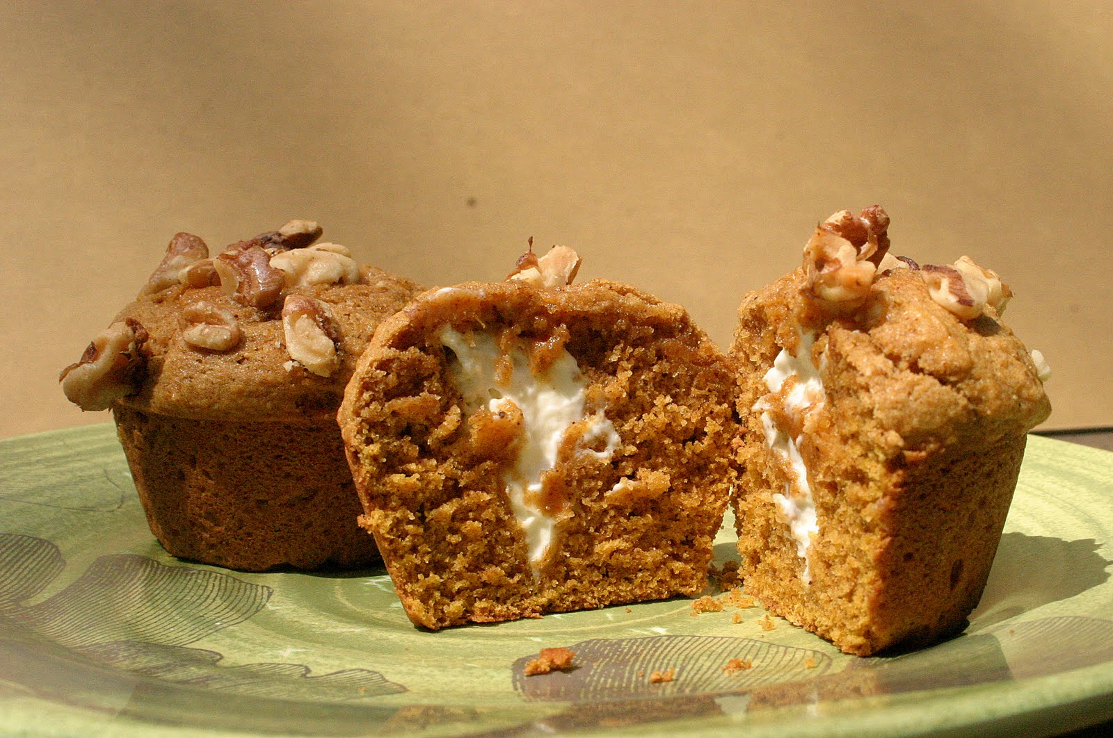 ... : This Week's Cravings (PUMPKIN): Pumpkin Cream Cheese Muffins