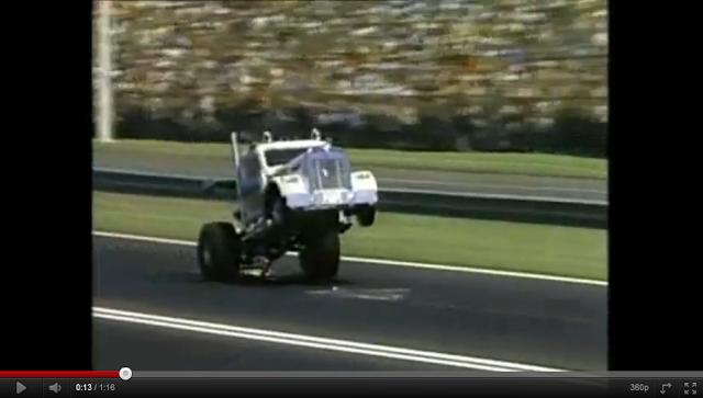 videos de camiones haciendo caballitos