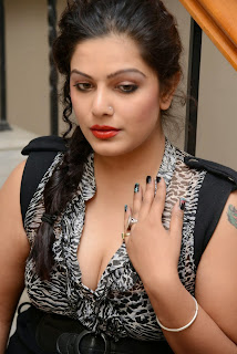 Actress Reva Hot Cleavage Photo Gallery