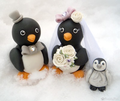 Penguin cake topper is also available with a lovely baby penguin
