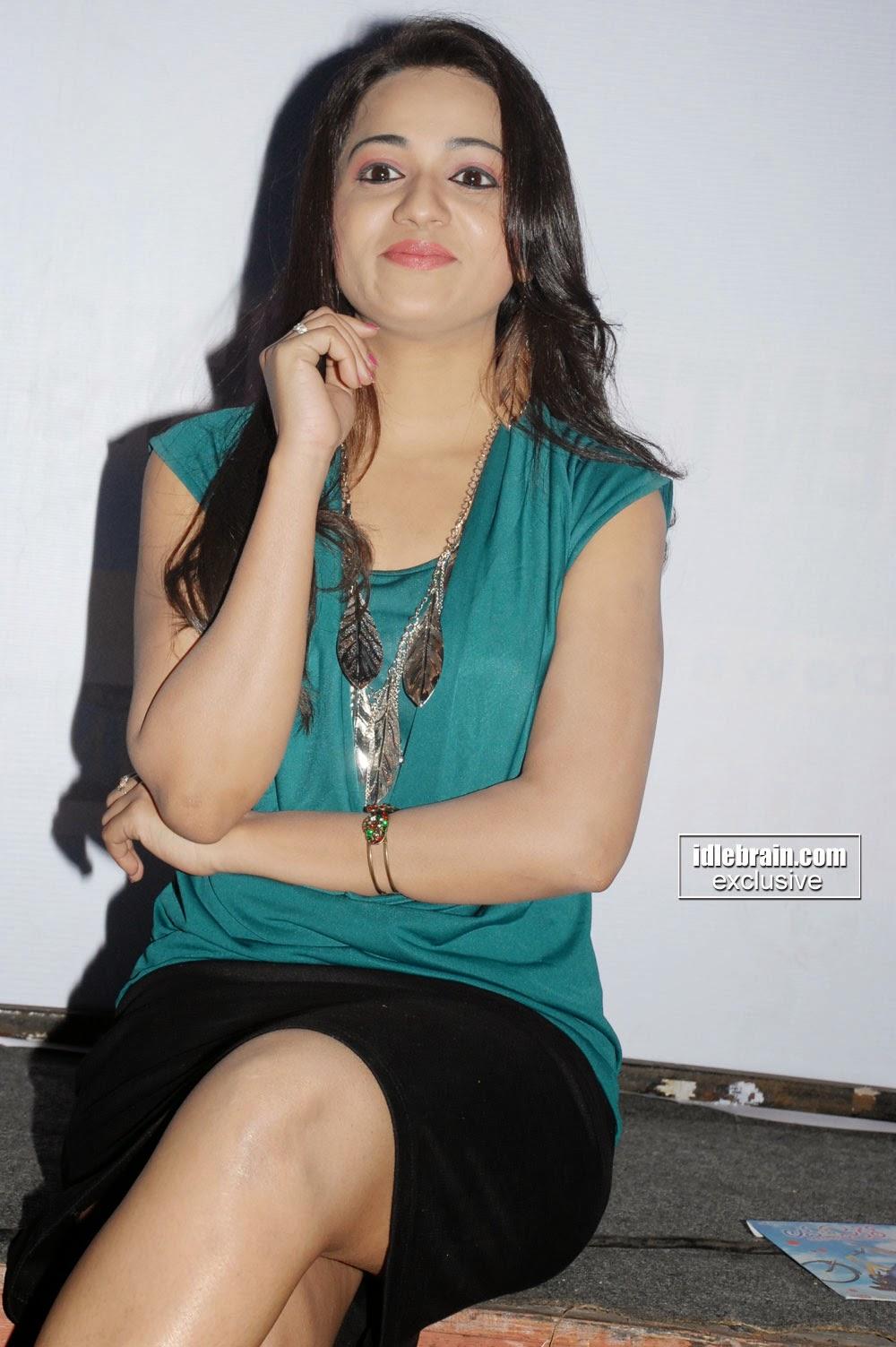 reshma black short skirt