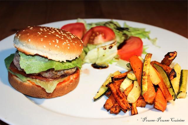 pousse pousse cuisine hamburger maison et frites de l gumes. Black Bedroom Furniture Sets. Home Design Ideas