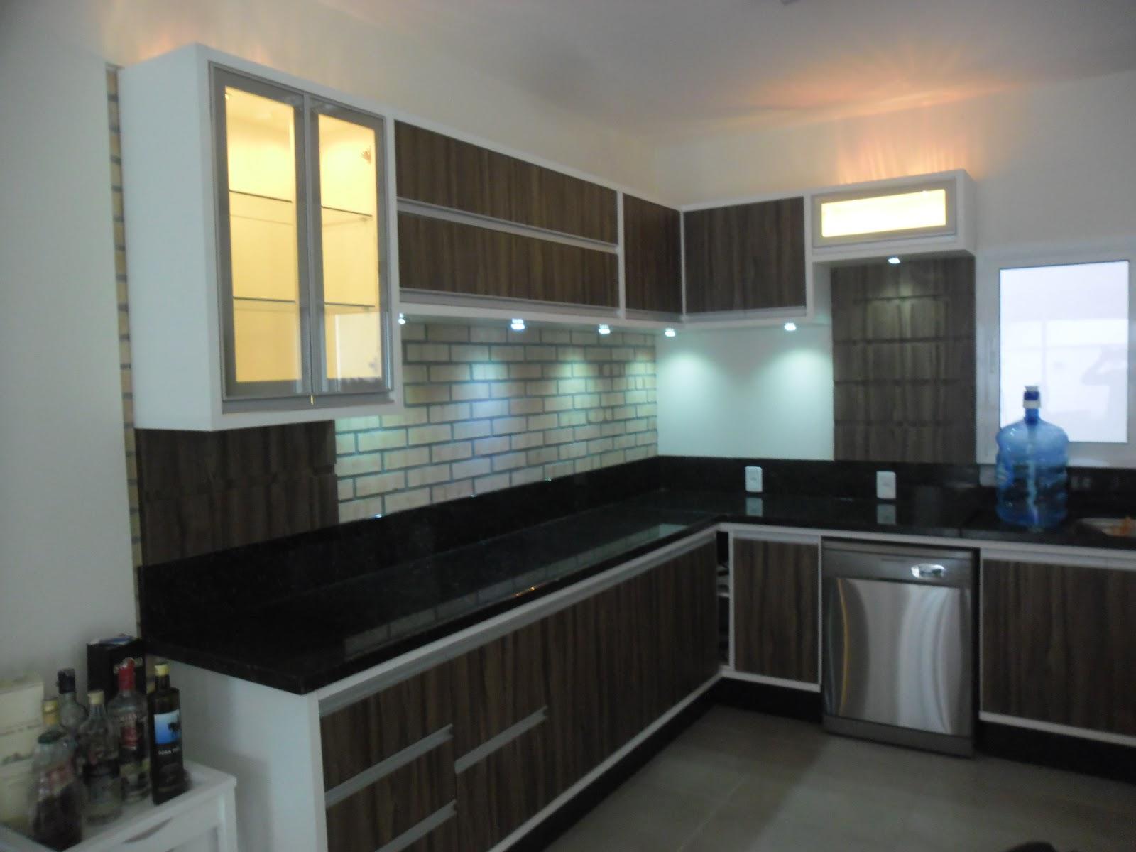 Silvano Moveis: Cozinha branca / nogal terracota #A27929 1600 1200