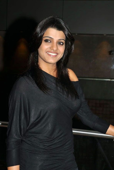 tashu kaushik looking in black dress actress pics