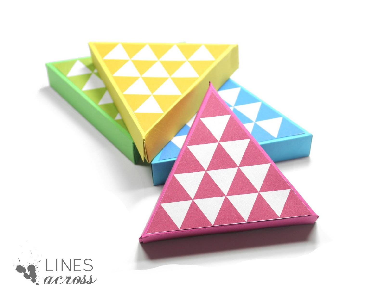 Diy Triangle Gift Boxes Lines Across Rh Linesacross Com Christmas Treat Box Template Pattern