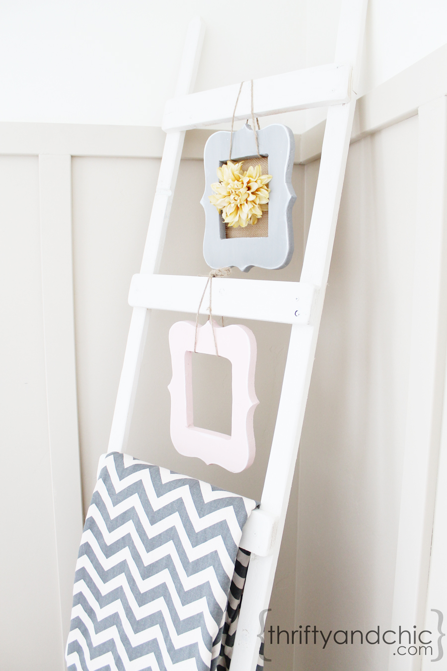 Thrifty and chic diy projects and home decor for Decor ladder house