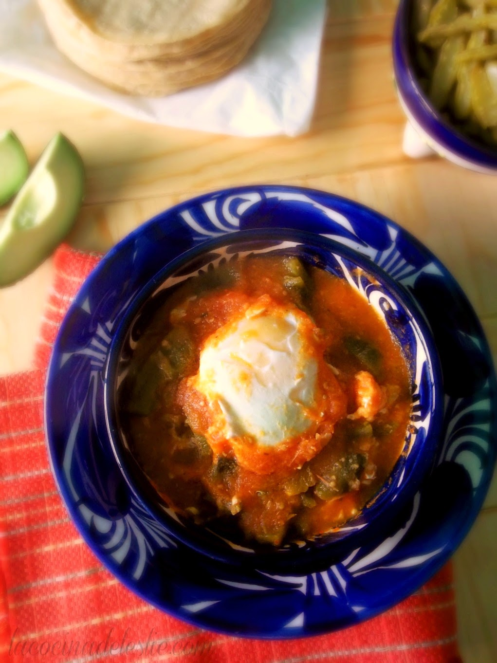 Huevos Ahogados - lacocinadeleslie.com