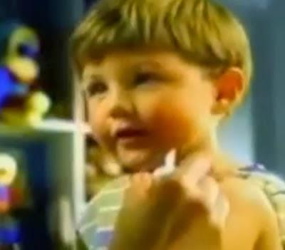 Propaganda do Merthiolate que não arde, apresentado nos anos 90.