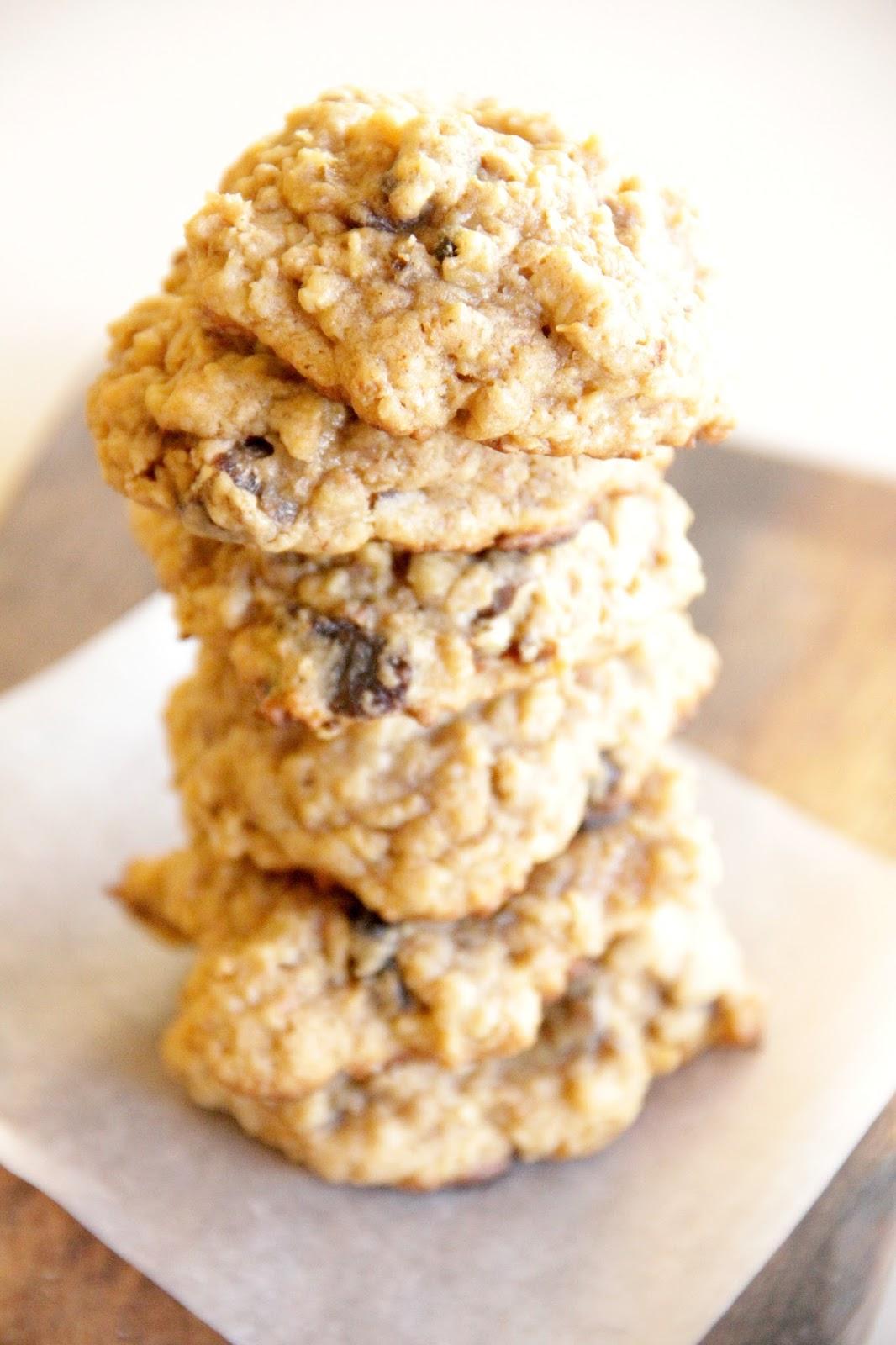 recipe: oatmeal date walnut cookies [22]