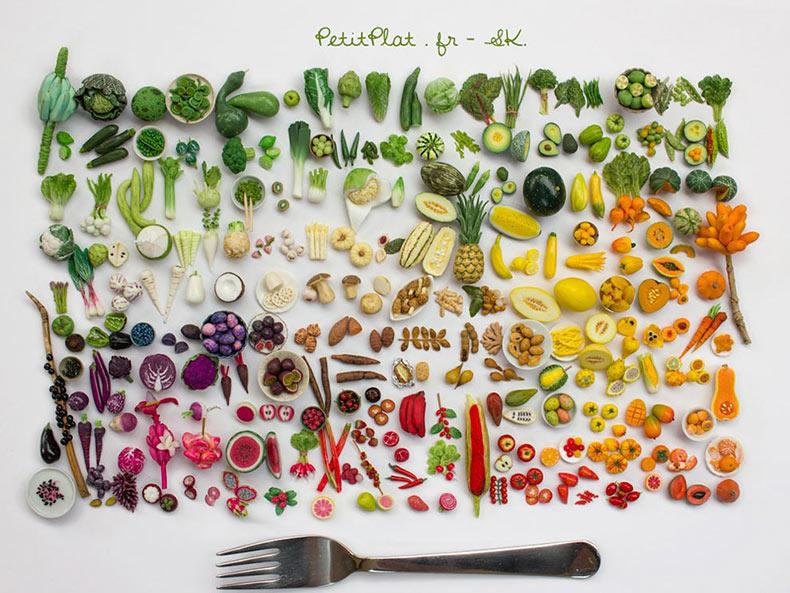 Stephanie Kilgast crea esculturas de alimentos en miniatura que son adorablemente realistas