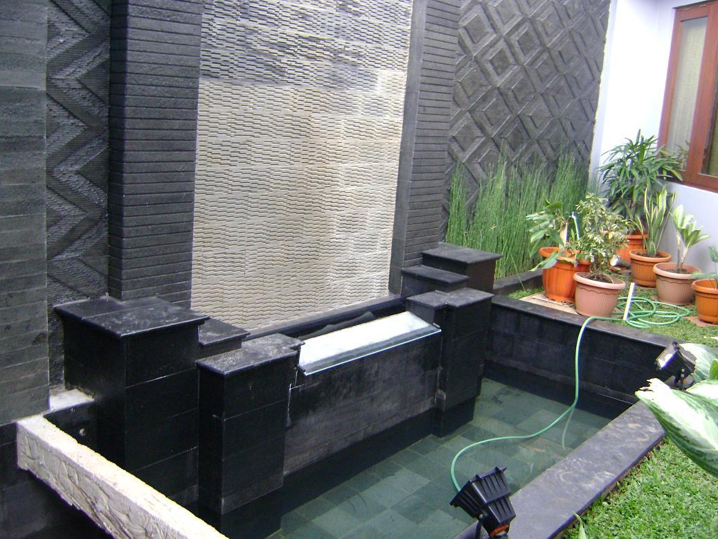 rumah kolam ikan mini kolam koi minimalis kolam air mancur
