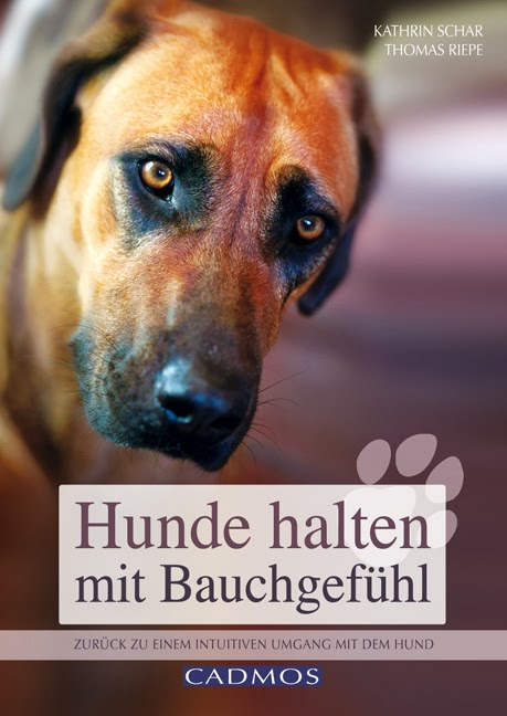 http://www.amazon.de/Hunde-halten-mit-Bauchgef%C3%BChl-intuitiven/dp/3840420318/ref=pd_sim_b_7