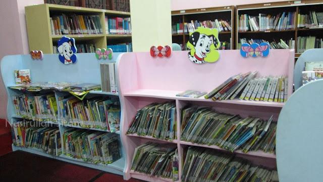 Koleksi untuk anak di lantai dua