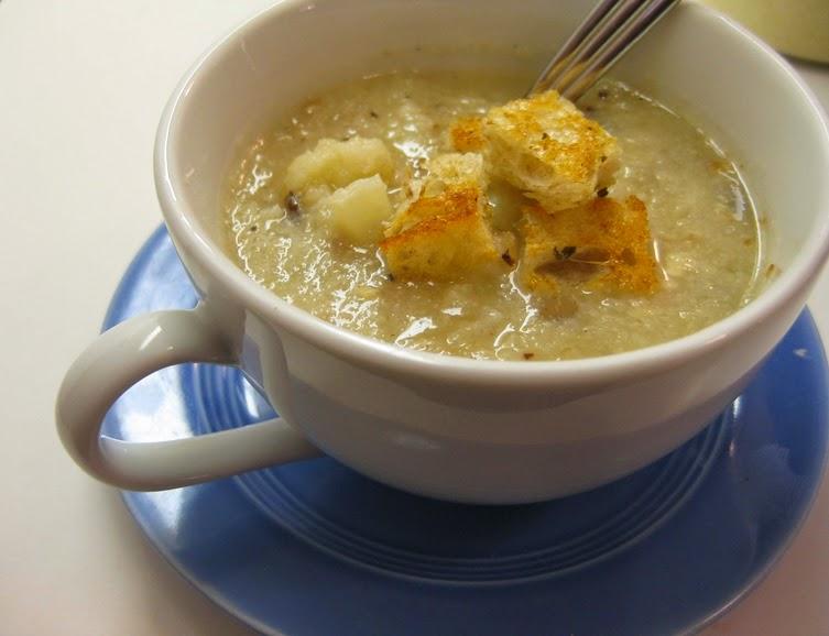 Sopa de Couve-Flor com Avelã (vegana)