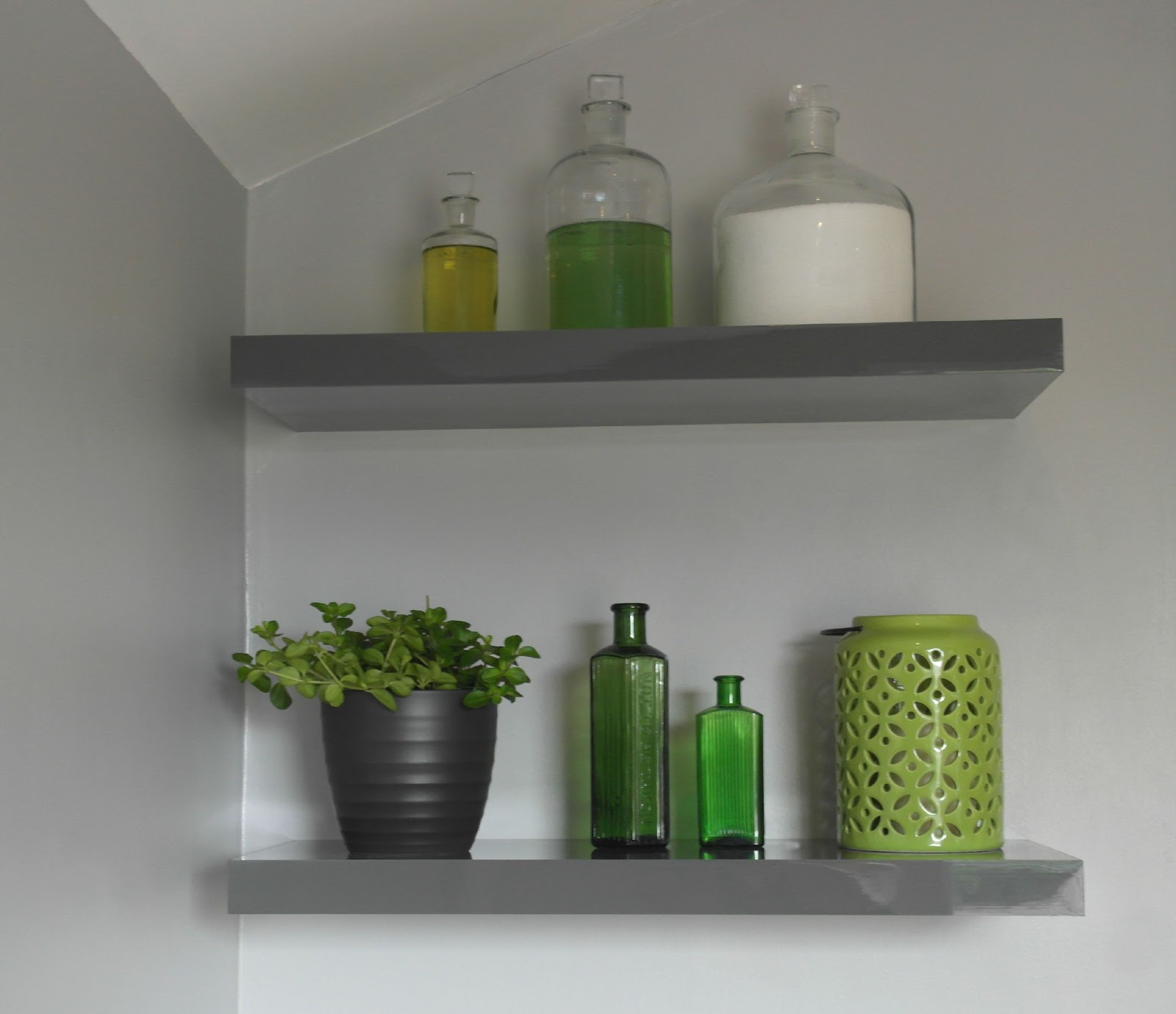 Smart Storage And Space Saving Solutions For Bathrooms