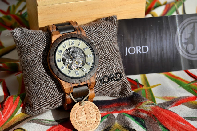 http://www.syriouslyinfashion.com/2015/11/jord-wood-watches-dover-series.html