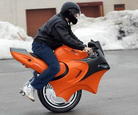 "Debuting at the National Motorcycle Show in Toronto, the ""Uno"" uses gyro-technology for balance and acceleration"