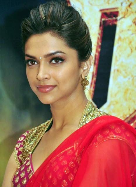 Deepika Padukone in Red saree | Deepika Padukone saree ...