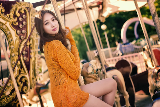 3 Shin Hae Ri outdoor - very cute asian girl-girlcute4u.blogspot.com