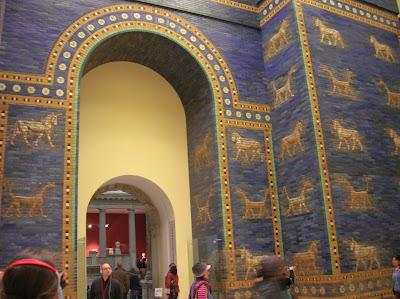 Puerta de Astarté (Pergamon Museum), Berlin, Alemania, round the world, La vuelta al mundo de Asun y Ricardo, mundoporlibre.com