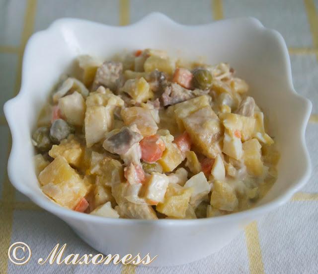 Салат оливье с яйцами цесарки. Русская кухня